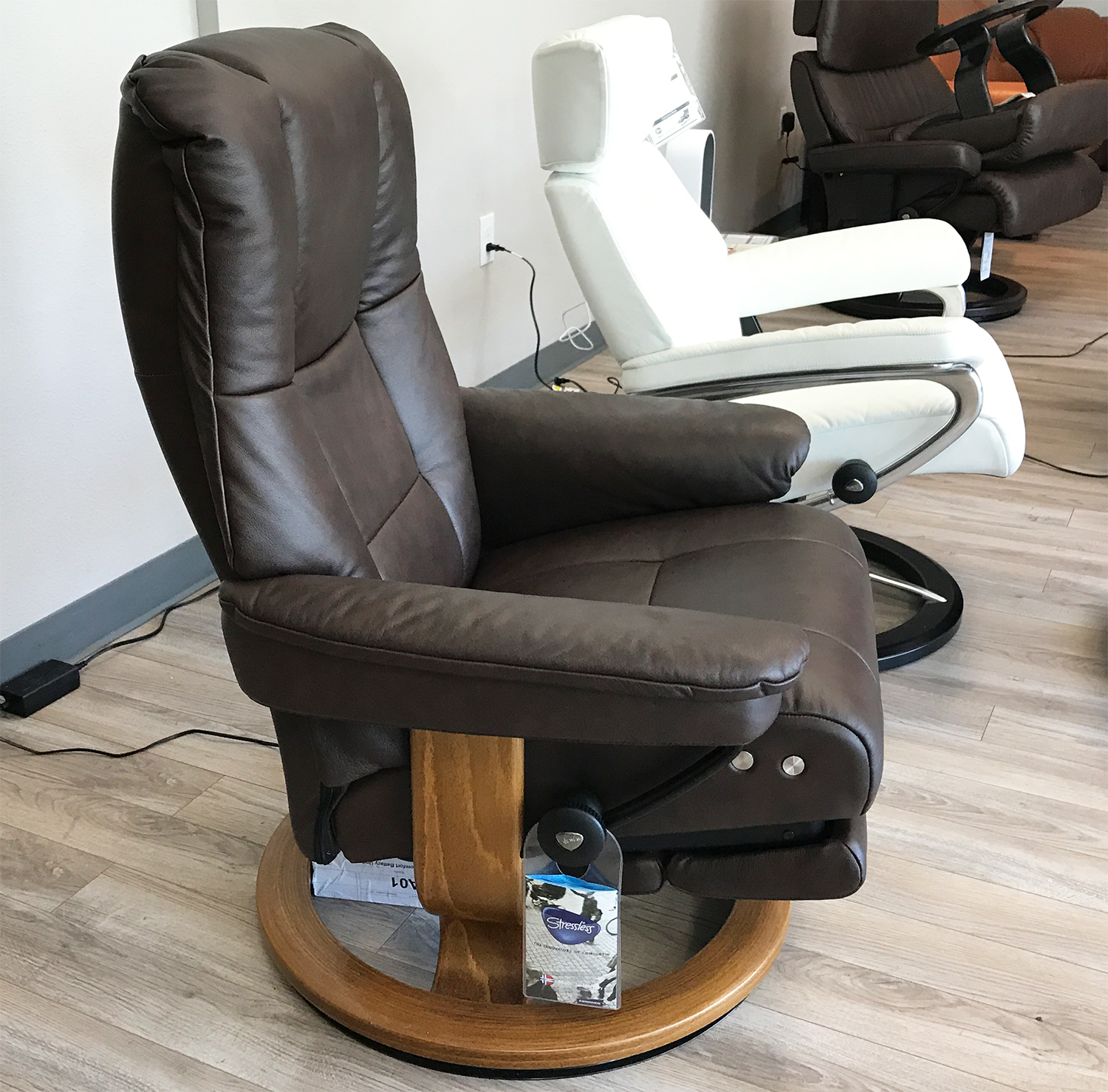 Stressless Mayfair Leg fort Paloma Chocolate Leather Recliner