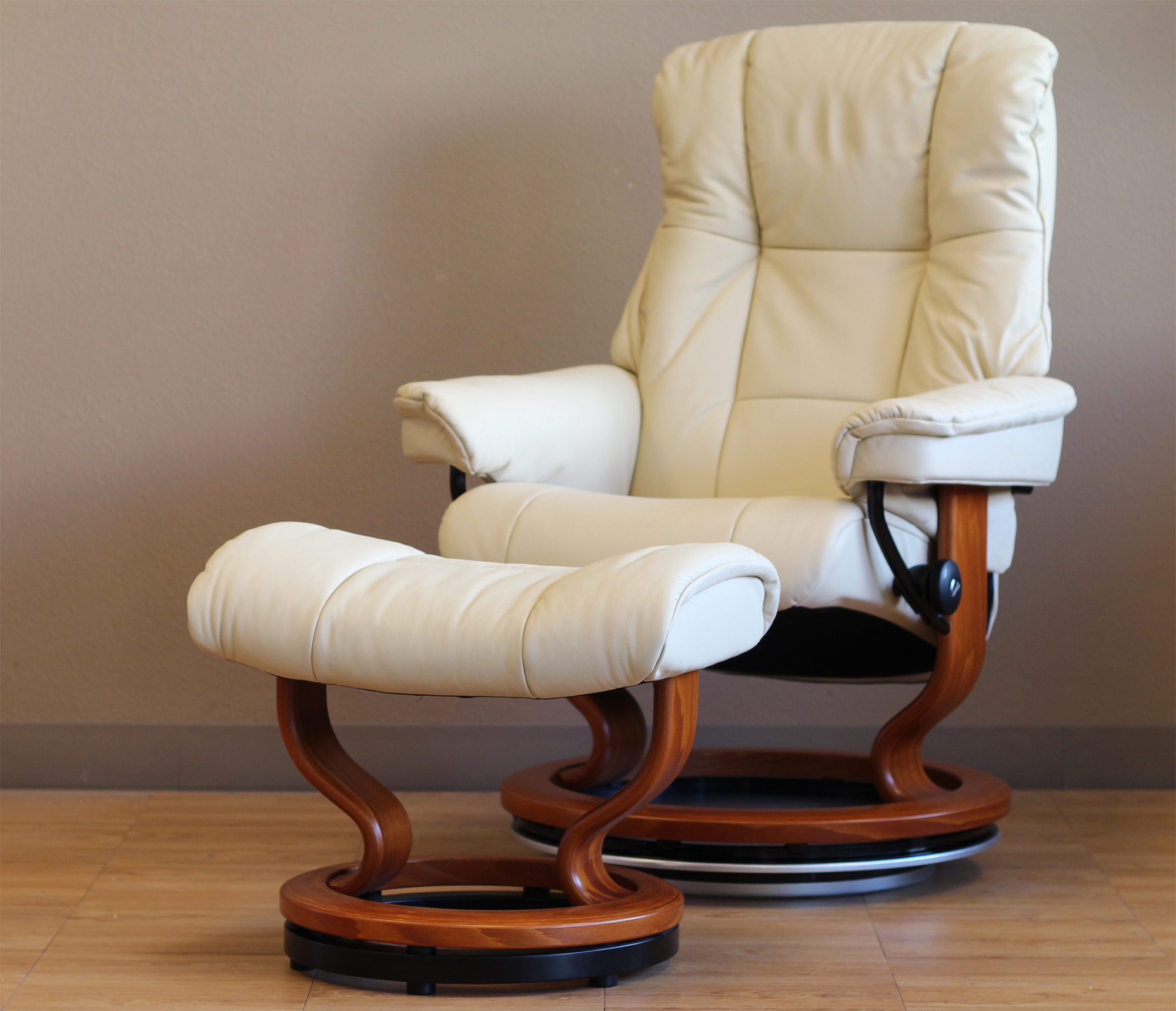 Stressless Mayfair Paloma Kitt Leather Recliner Chair By