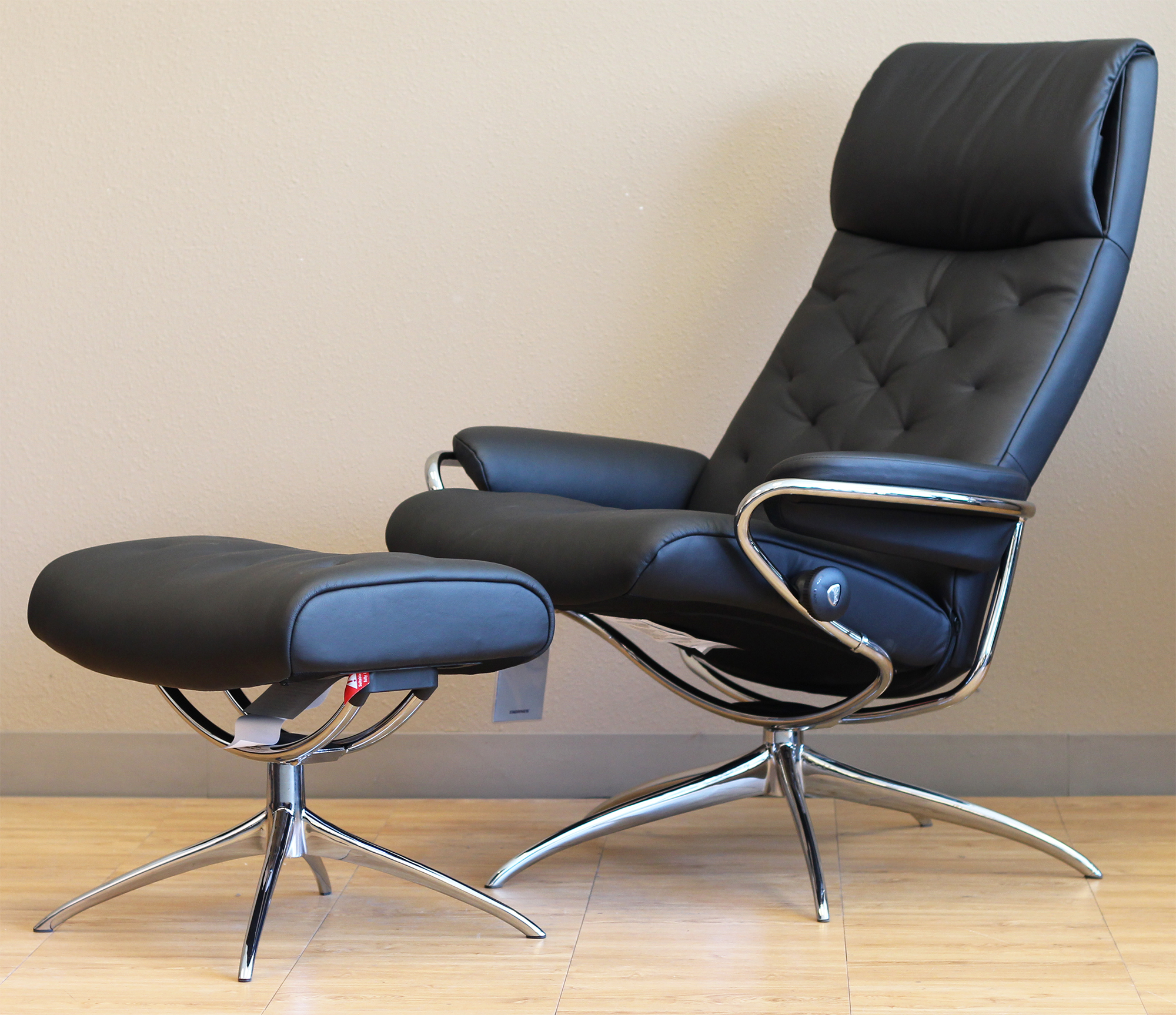 Stressless Metro High Back Paloma Black Leather Recliner Chair by Ekornes & Stressless Metro High Back Paloma Black Leather Recliner Chair by ... islam-shia.org