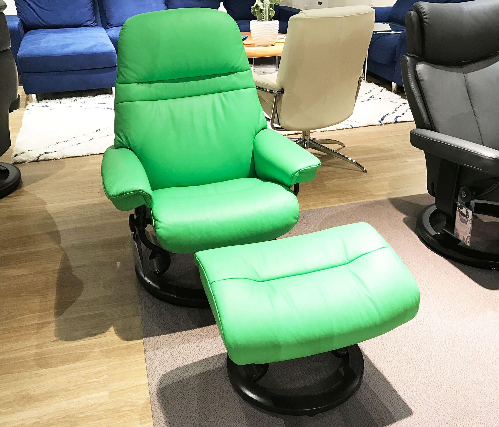 Stressless Sunrise Paloma Summer Green Color Leather Recliner Chair And  Ottoman