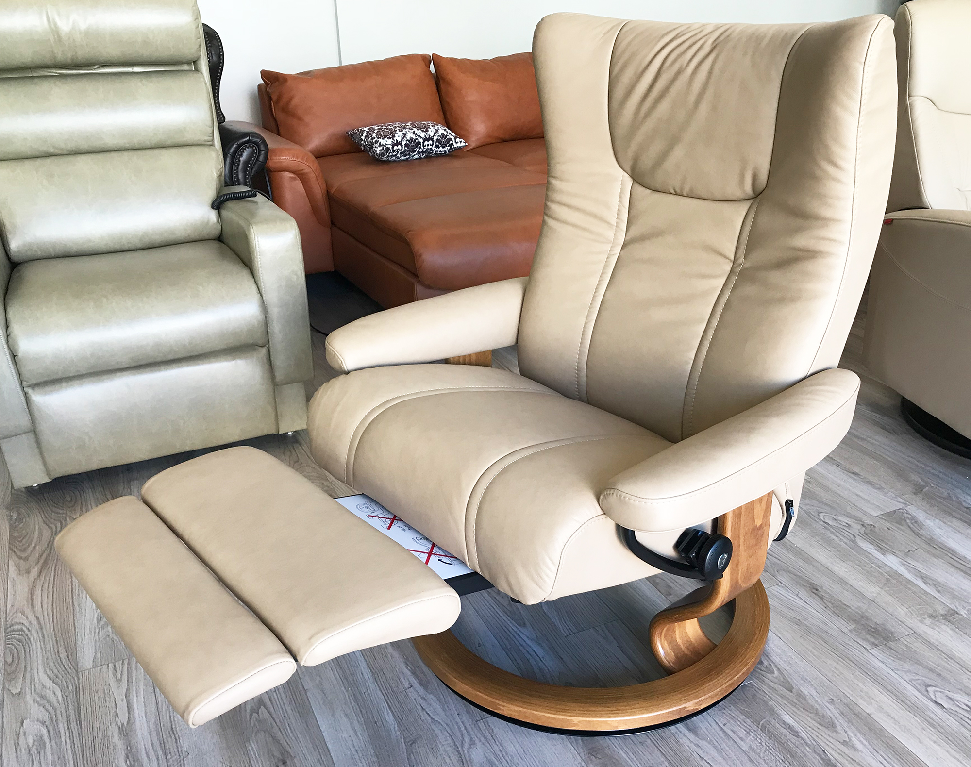 Picture of: Stressless Wing Leg Comfort Paloma Sand Leather Recliner Chair With Footrest By Ekornes Stressless Wing Leg Comfort Paloma Sand Leather Chairs Recliners