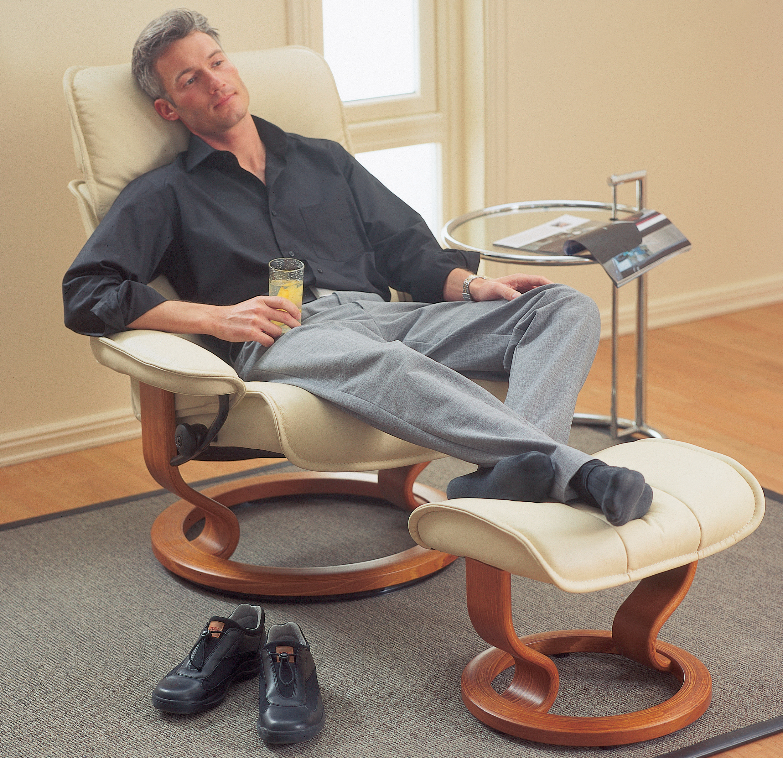 Stressless Admiral Paloma Leather Recliner Chair And