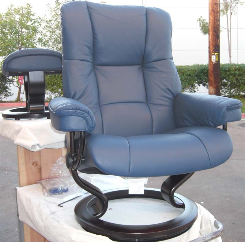 Stressless Royal Chair Paloma Oxford Blue ReclinerLeather Color Recliner Chair and Ottoman from Ekornes : large leather recliner chairs - islam-shia.org
