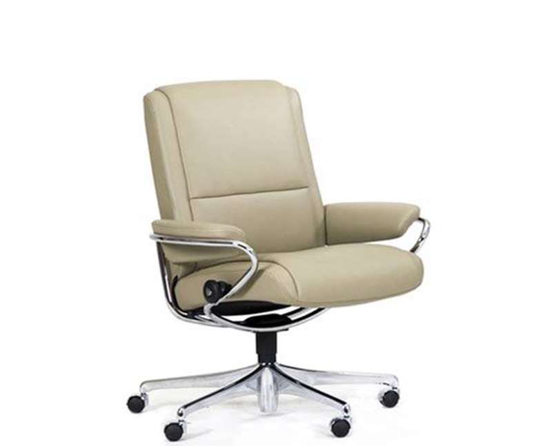 stressless paris low back office desk recliner chair by ekornes office recliners e32 office