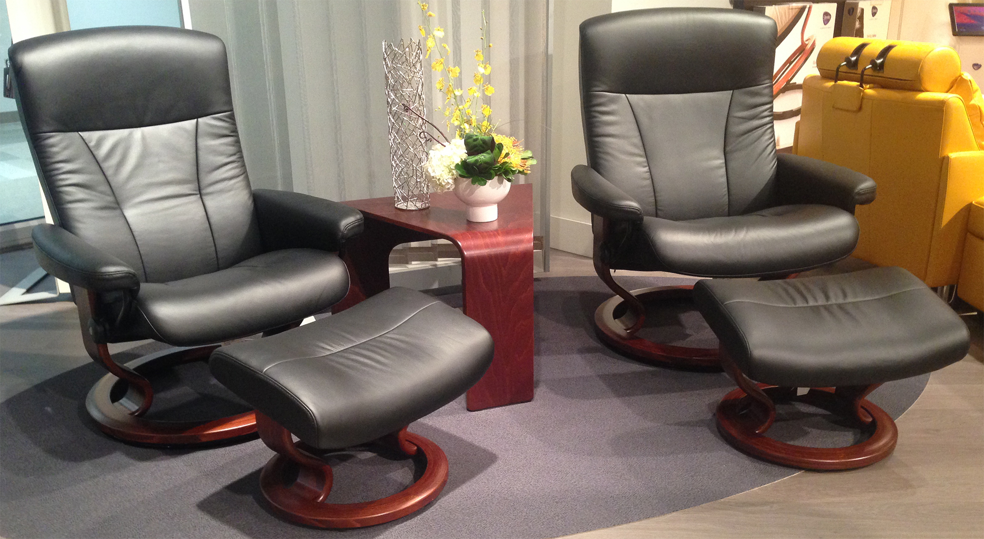 Ekornes Stressless President Large and Medium Recliner Chair – Reclining Chairs with Ottomans