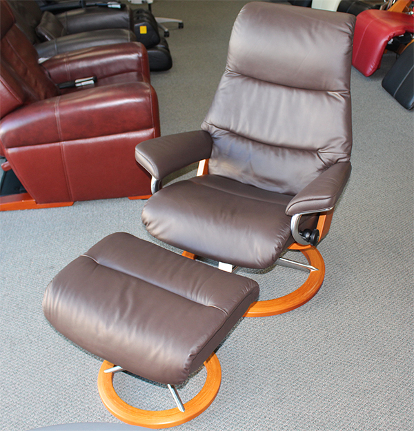 Stressless View Signature Base Medium Paloma Mocca Recliner Chair by Ekornes