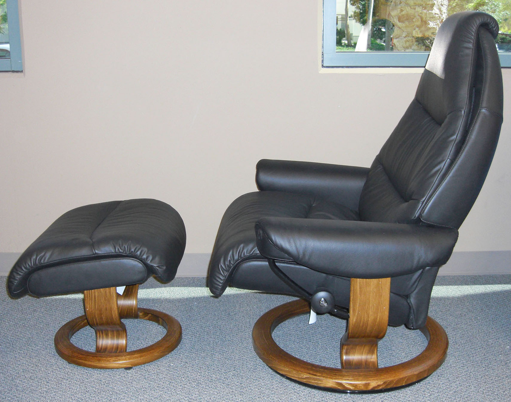 Small Reno Stressless T&a Paloma AquaGreen Leather Recliner Chair by Ekornes : small black leather recliner - islam-shia.org