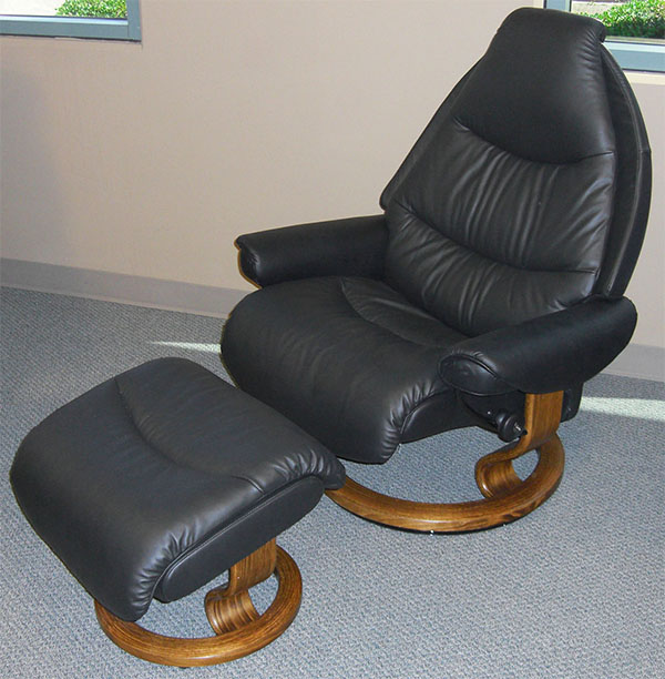 Stressless Voyager Paloma Black Leather Recliner Chair by Ekornes