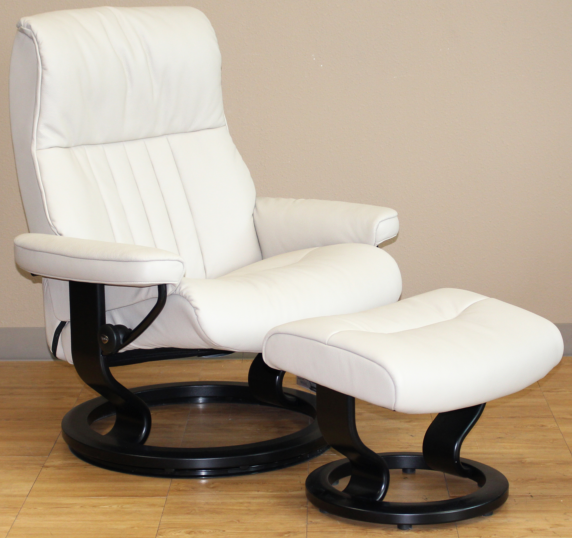 Crown Cori Vanilla White Leather Recliner Chair