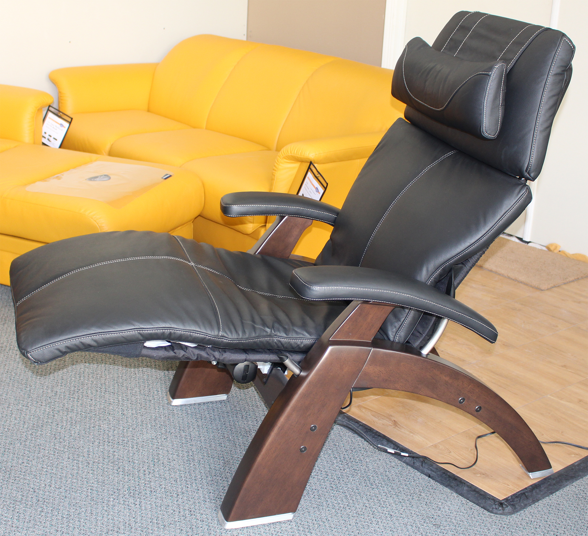 Human touch pc 610 power omni motion perfect chair zero gravity recliner