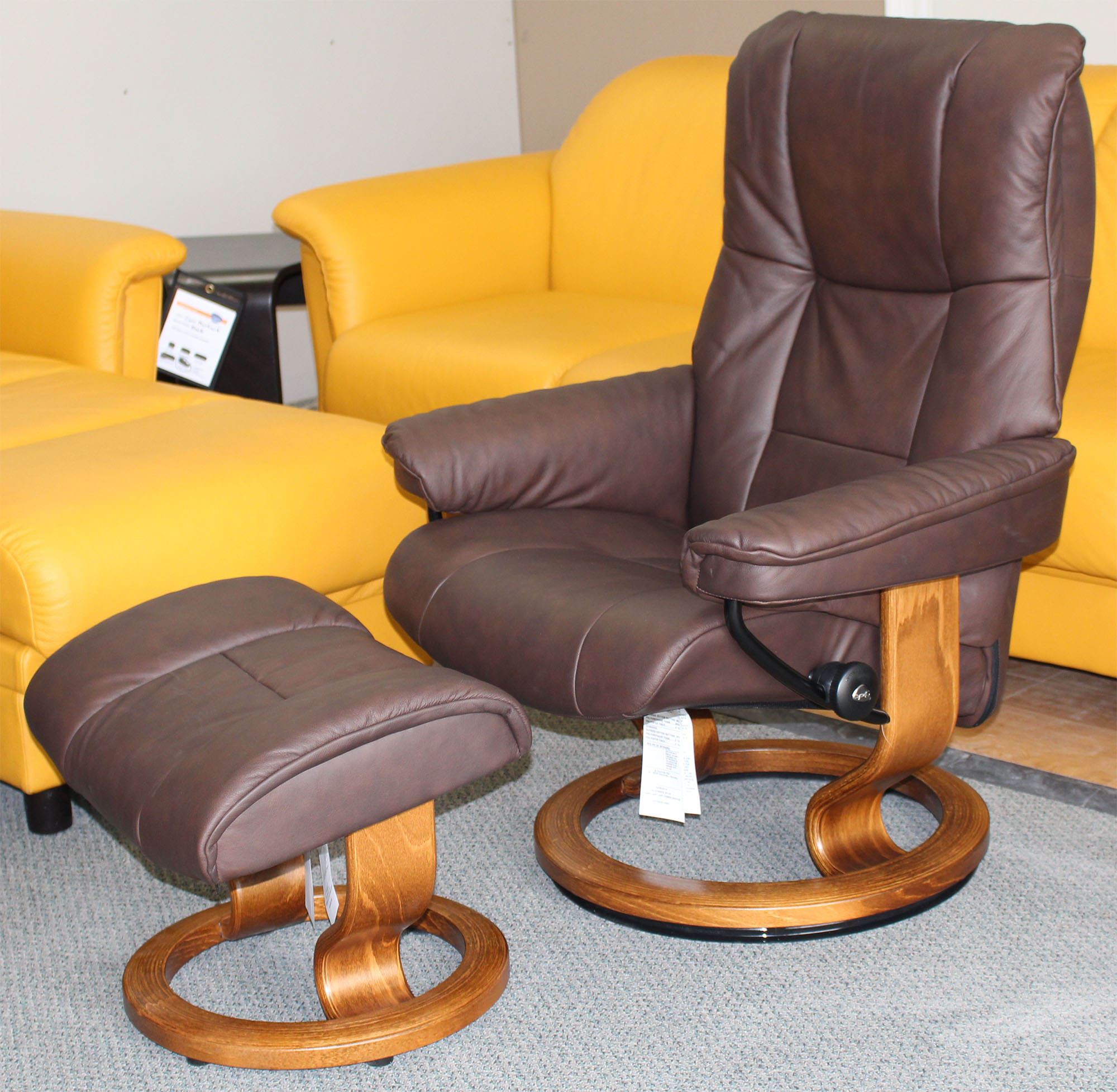 stressless chelsea small mayfair paloma chocolate leather recliner chair and ottoman by ekornes. Black Bedroom Furniture Sets. Home Design Ideas