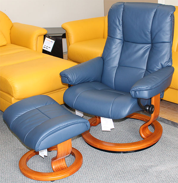 Stressless Mayfair Medium Paloma Oxford Blue Leather by Ekornes