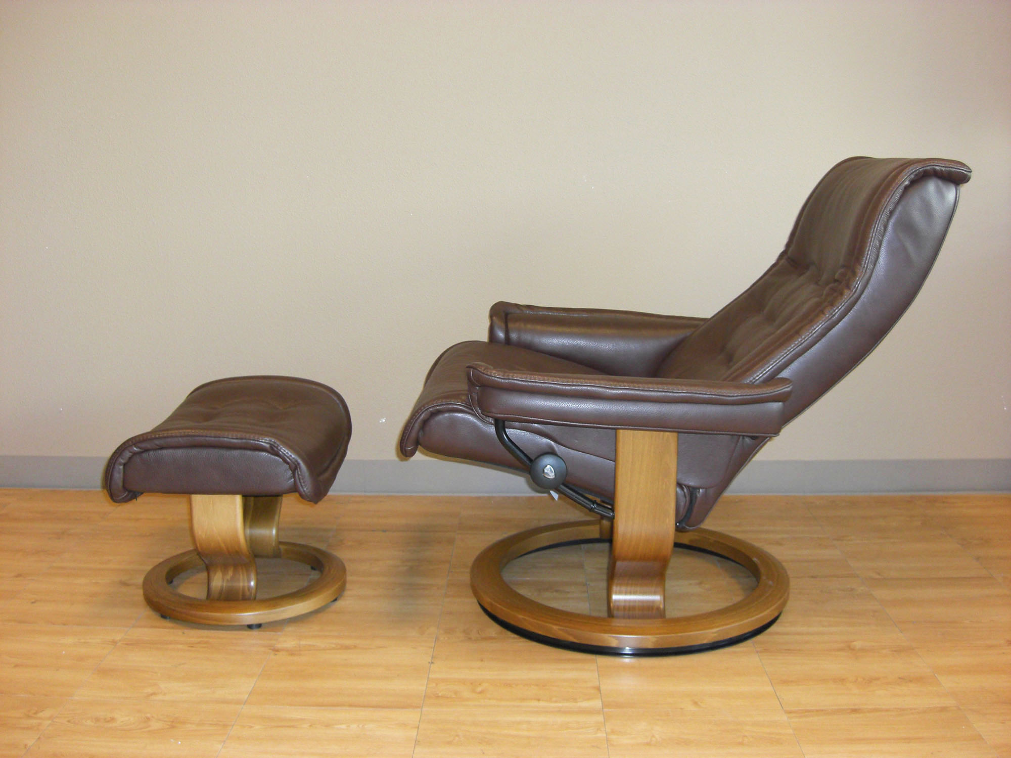 Dark Brown Leather Recliner Chair royal royalin dark brown leather recliner chair