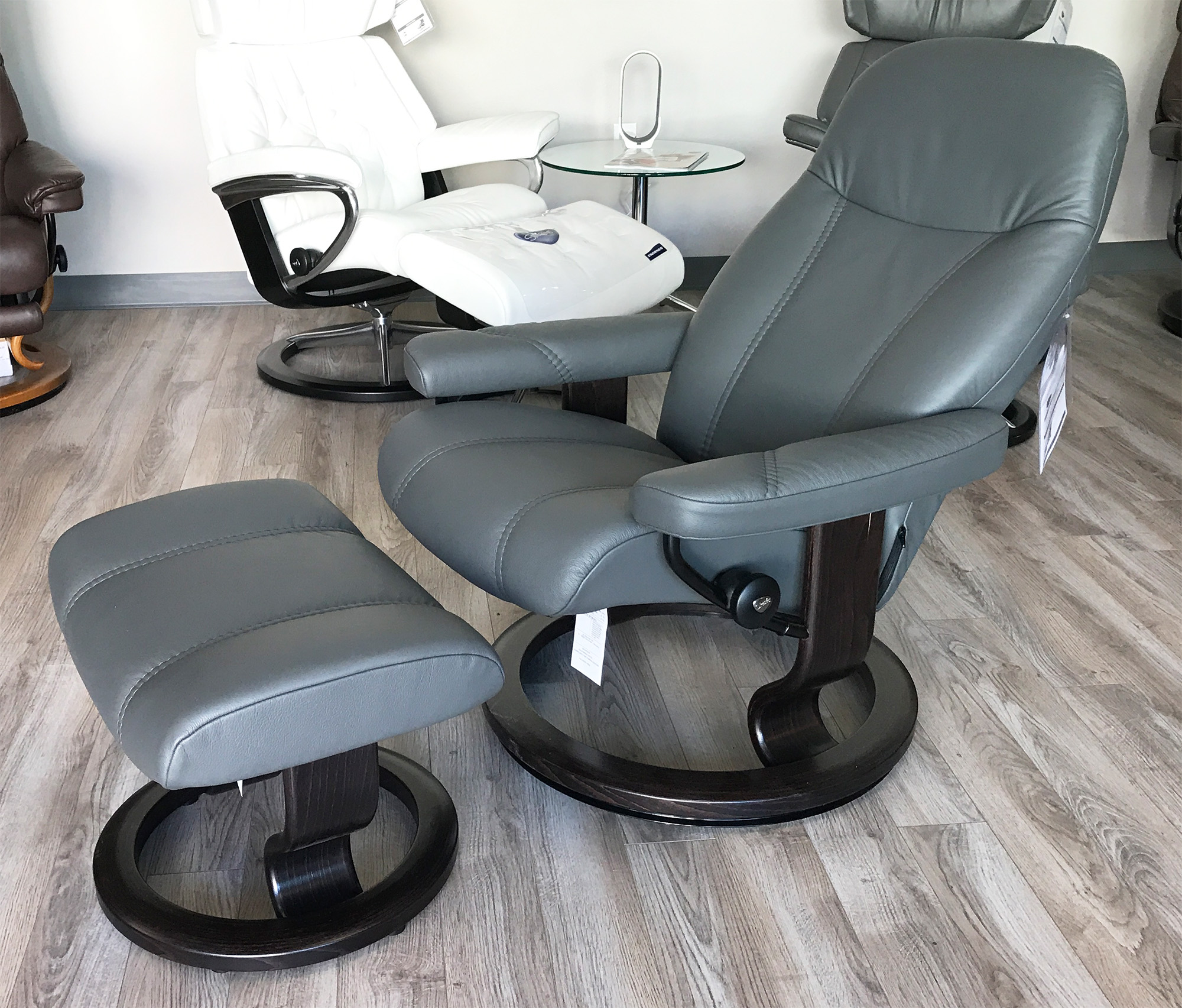 Superbe Stressless Consul Recliner Chair And Ottoman Batick Grey Leather By Ekornes