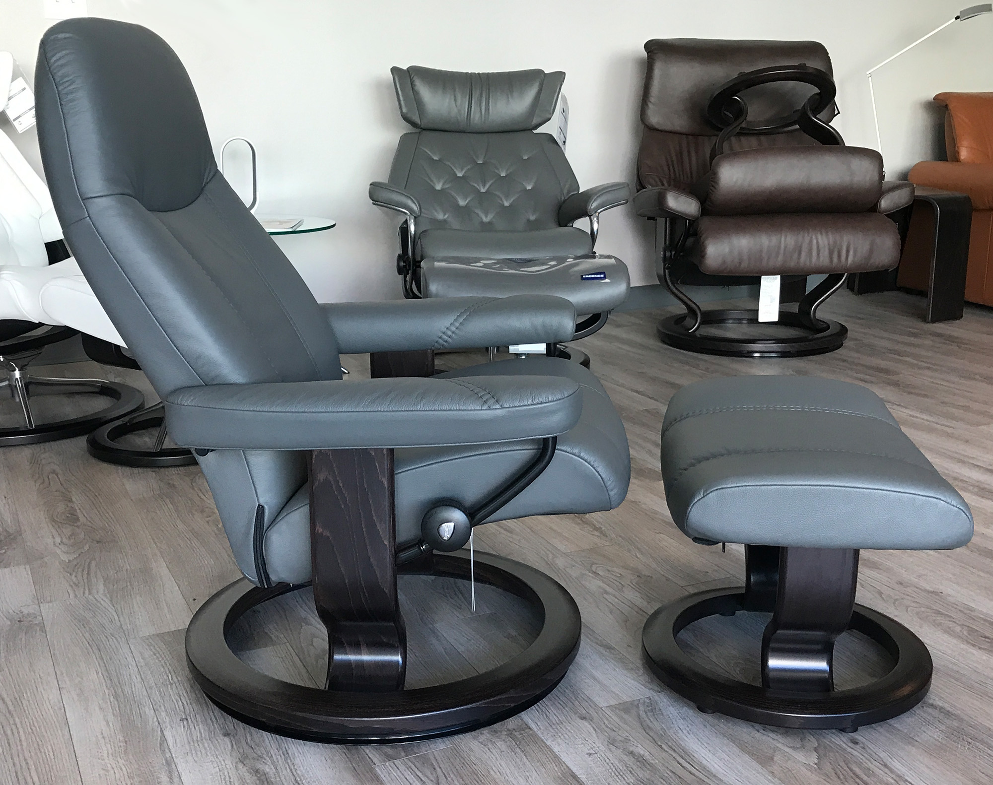 Stressless Consul Recliner Chair And Ottoman Batick Grey