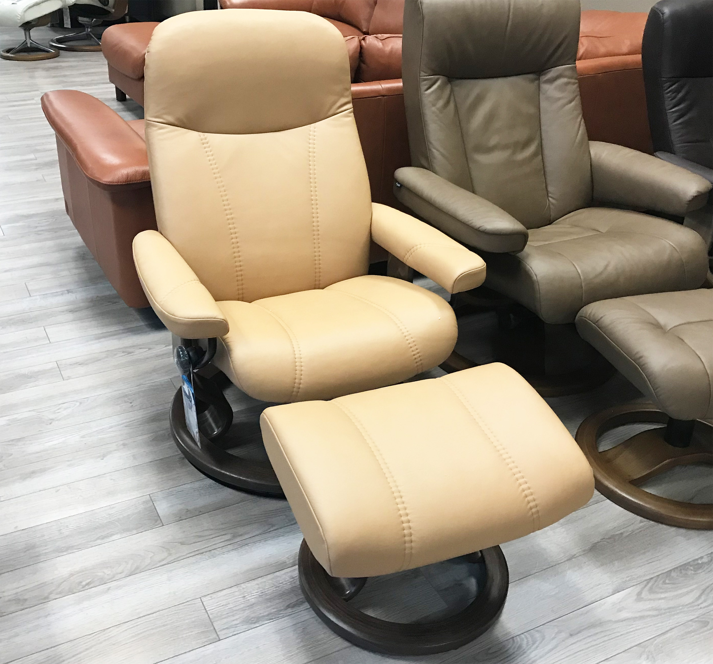 Stressless Consul Recliner Chair And Ottoman In Paloma Pearl Leather By  Ekornes