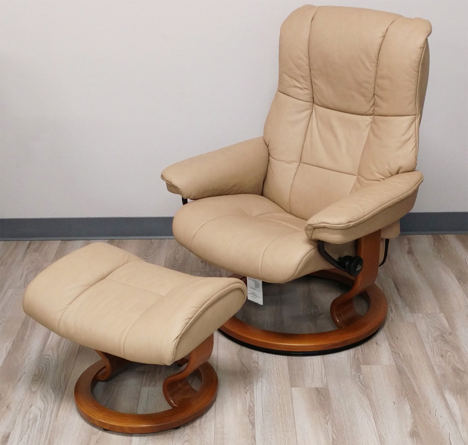 stressless mayfair paloma sand leather recliner chair by ekornes