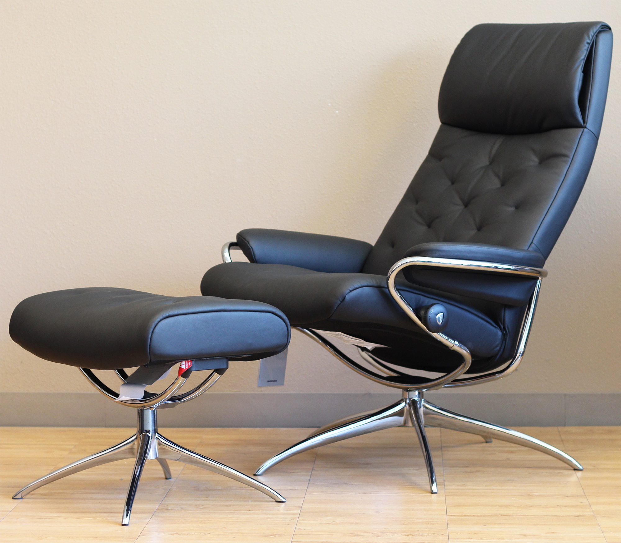 Attirant Stressless Metro High Back Paloma Black Leather Recliner Chair By Ekornes