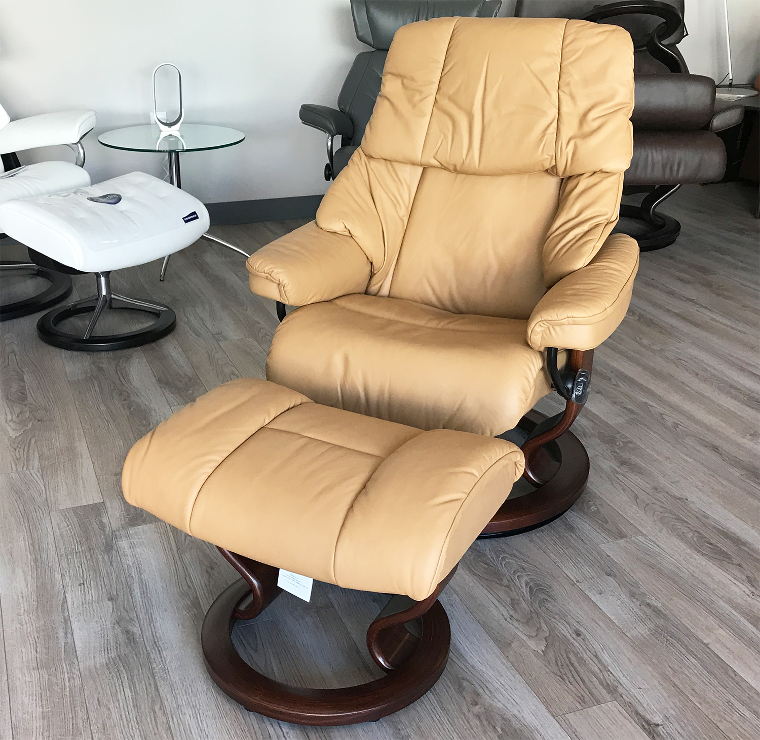 Ideal Stressless Reno Paloma Pearl Leather Recliner Chair and Ottoman by  DL65
