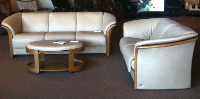 ekornes manhattan leather ergonomic sofa couch loveseat and chair by ekornes ekornes manhattan. Black Bedroom Furniture Sets. Home Design Ideas