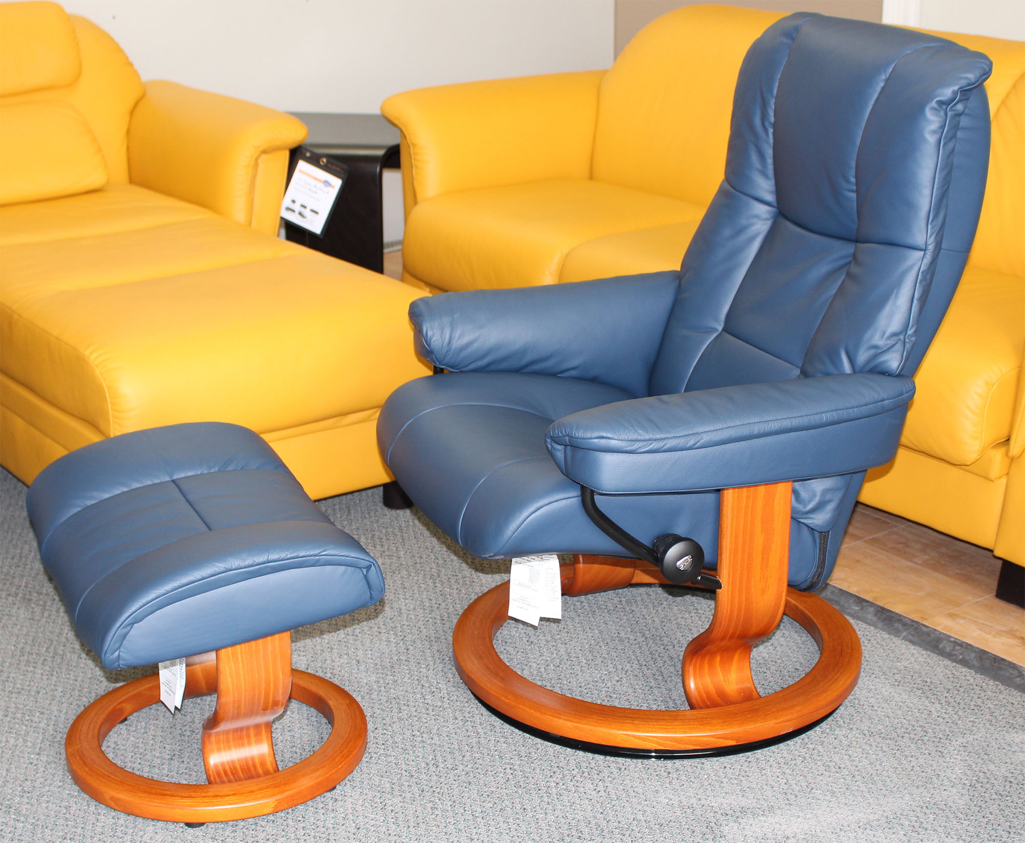 Awe Inspiring Stressless Chelsea Small Mayfair Paloma Oxford Blue Leather Recliner Chair By Ekornes Pdpeps Interior Chair Design Pdpepsorg